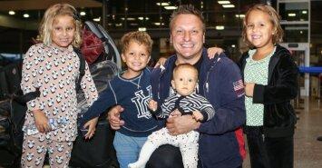 Darius Kasparaitis su vaikais