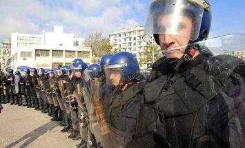 Alžyre vykusias demonstracijas tramdė pareigūnai