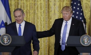Benjaminas Netanyahu ir Donaldas Trumpas Vašingtone