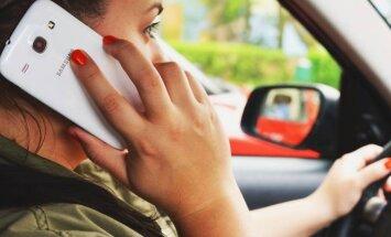 Vairuotoja kalba telefonu