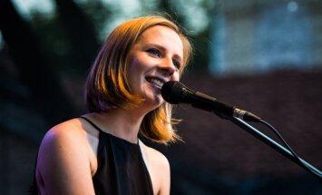 Ieva Narkutė: džiugu būti atpažįstamai dėl dainų, o ne dėl asmeninių santykių narpliojimo spaudoje