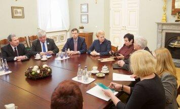 Prezidentė susitiko su ekspertais aptarti Seimo priimtas Mokslo ir studijų įstatymo pataisas