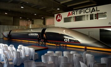 Hyperloop kapsulė