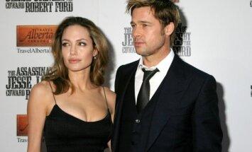 СМИ: Джоли и Питт не будут продавать знаменитое шато во Франции