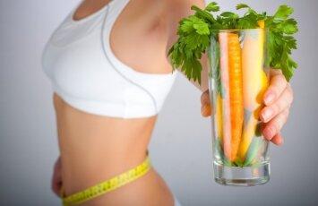 Organizmą valanti sulčių dieta: ne viskas taip gražu, kaip gali atrodyti