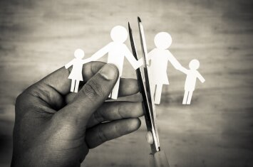 Vienas iš labiausiai sukrečiančių ir skausmingų vaiko išgyvenimų: tai patiria kas antra šeima