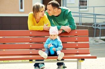 Vaikus globojančios ir įsivaikinusios šeimos nuo šiol problemas spręs kartu