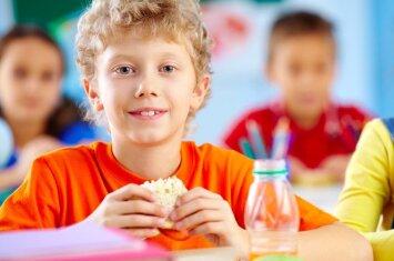 Užkandžiai vaikams: kas yra sveikiausia, o ko – neduoti