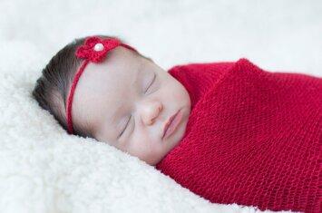 7 frazės, kurios paguos po gimdymo liūdinčią mamą