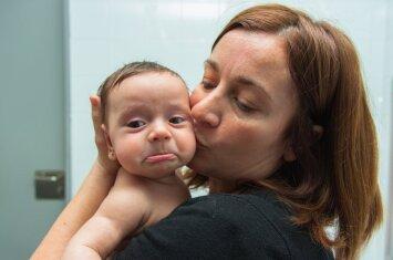 """Vis daugiau moterų gimdo vaikus būdamos skaisčios <sup style=""""color: #ff0000;"""">(+apklausa)</sup>"""