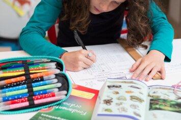 """""""Kitoks"""" vaikas mokykloje: patarimai tėvams ir pedagogams"""