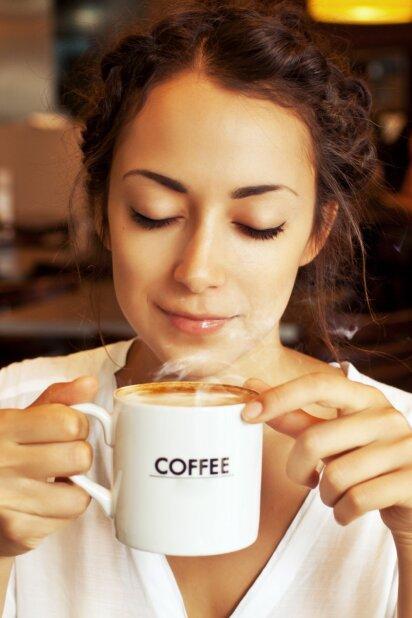 Negalinčioms gyventi be kavos: kada ji tampa vaistu, o kada nuodu
