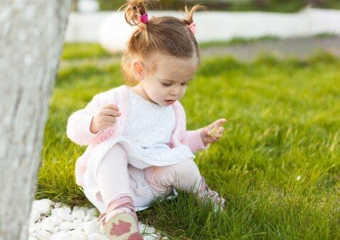 Vaiko pirmieji žingsniai: ko svarbu nepamiršti