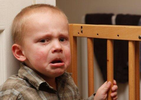 Kai vaikui viskas leidžiama ar per daug draudžiama, jis auga nelaimingas: kaip rasti aukso vidurį