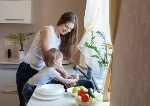 Edukologė pataria, kaip ugdyti vaikų savarankiškumą