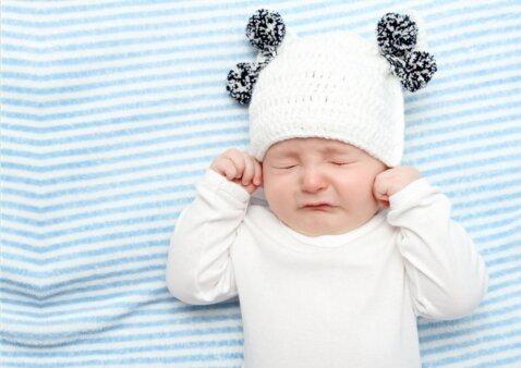7 dažniausios priežastys, kodėl maži vaikai neramiai miega