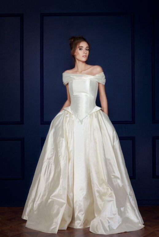 Testas: ką pasirinkta suknelė sako apie jus?