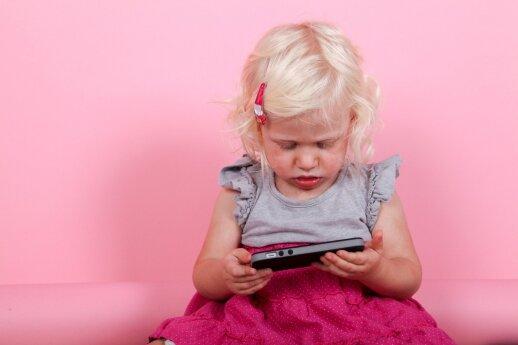 Kodėl vaikams BŪTINA riboti laiką prie kompiuterių, telefonų ir televizorių