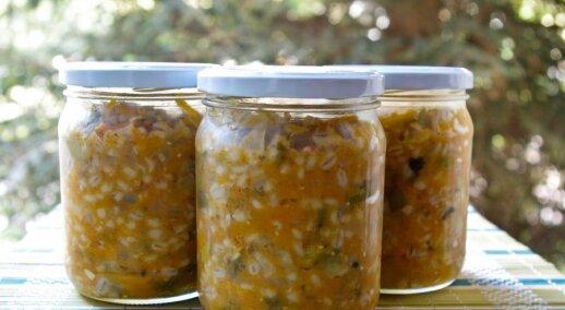 Žiemai - perlinių kruopų sriuba su agurkais