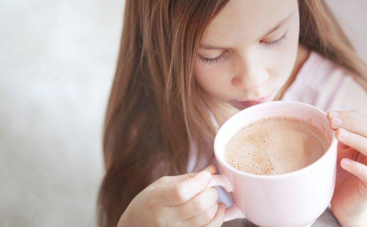 Kodėl kakavą rekomenduojama gerti labiau rytais