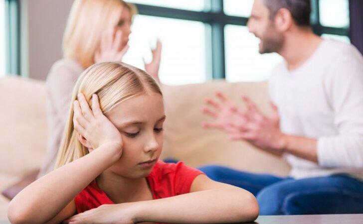 Nepagražinta tiesa apie tai, kaip iš tiesų jaučiasi vaikai, kai skiriasi jų tėvai