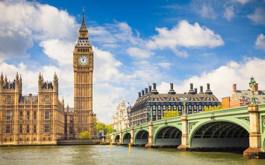 Большинство британцев впервые высказались за выход страны из Евросоюза