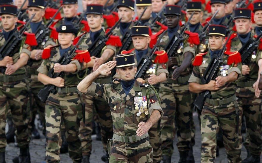 Prancūzija surengė kasmetinį karinį paradą, minint Bastilijos paėmimo dieną