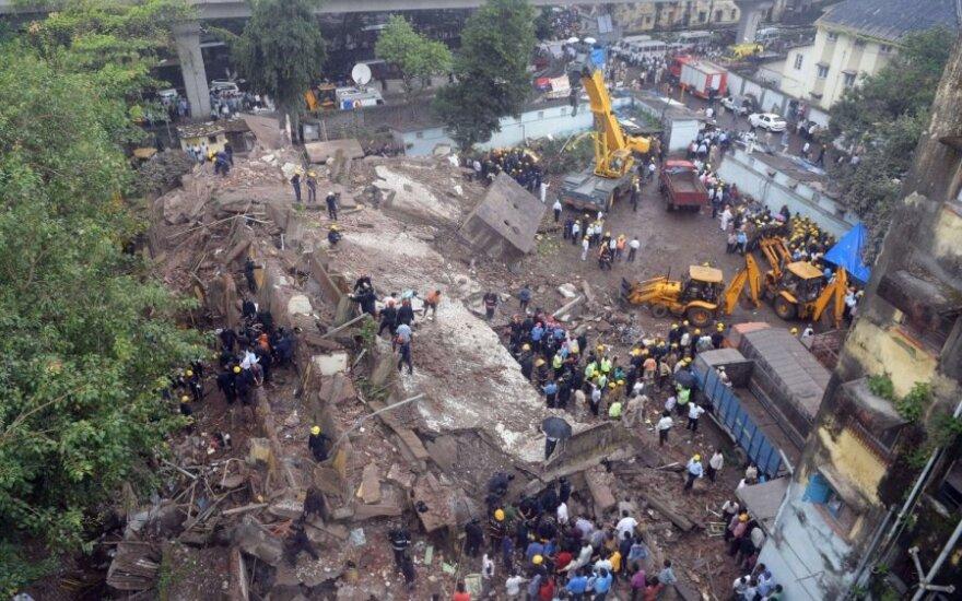 В Мумбаи при обрушении дома погиб 61 человек