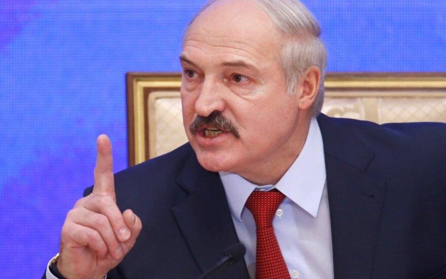 Лукашенко заявил, что не позволит навязывать так называемые права человека