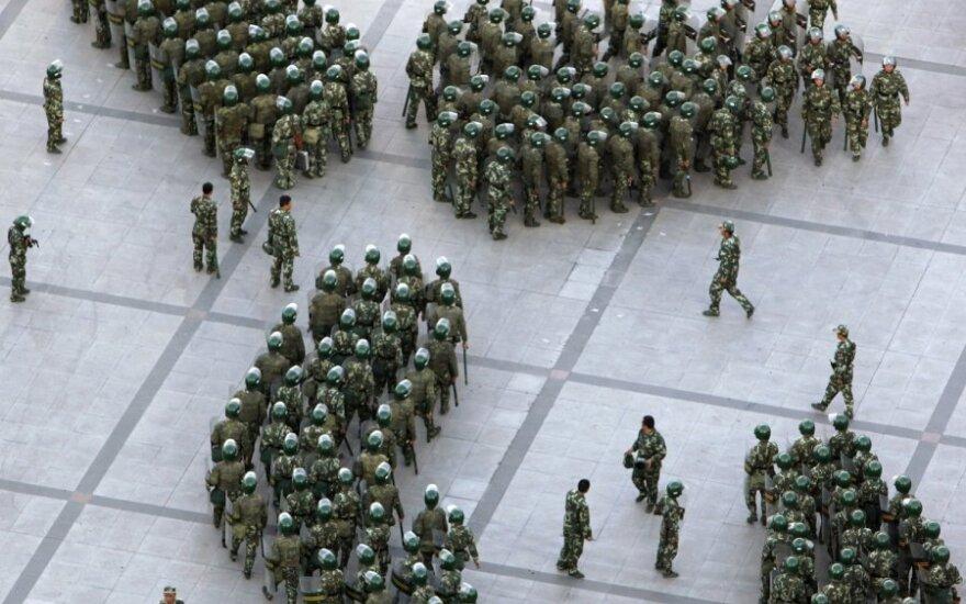 Армия Китая взяла в осаду тибетский монастырь