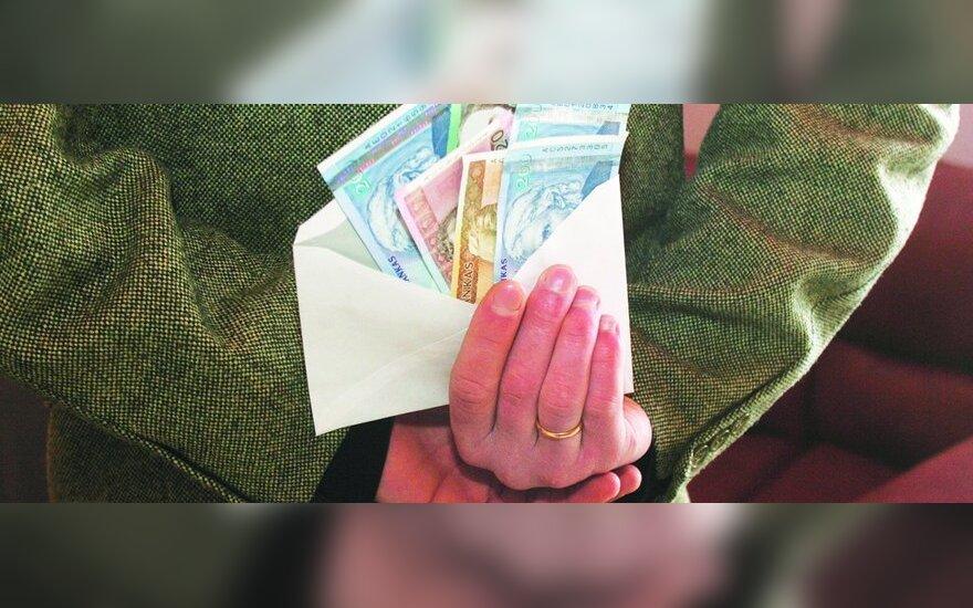 """Почти половина жителей Литвы согласна получать зарплату в """"конверте"""""""