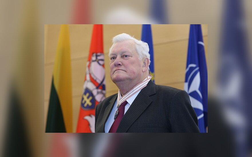 Матуленис: в связи со смертью президента просим соблюдать траур