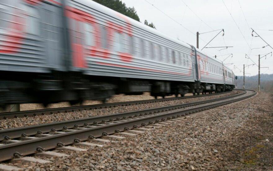 Pervežėjai dažniau naudojasi traukiniais