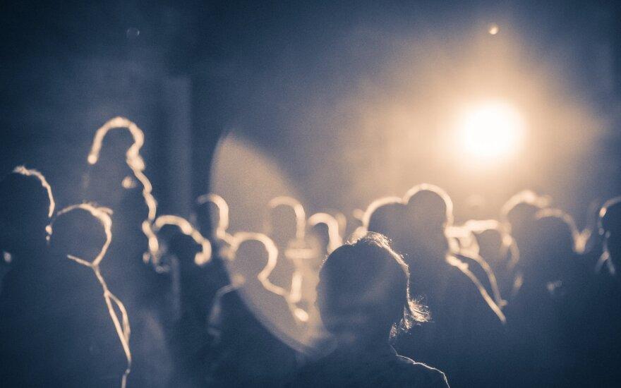 Ночные развлечения в вильнюсском клубе завершились кошмаром: подозревают, что была изнасилована девушка