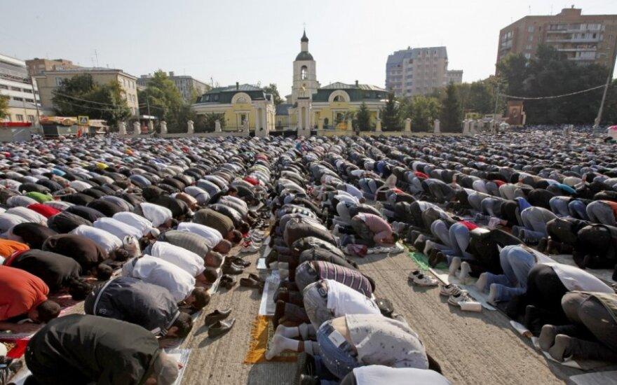 Публичные молитвы в России приравняют к митингам