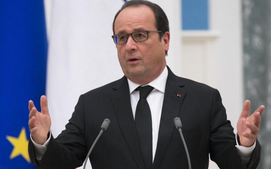 Олланд: экономика Франции в чрезвычайном положении