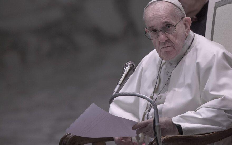 Urbi et Orbi: папа Франциск призвал делиться вакцинами от COVID-19