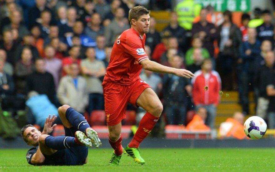 """""""Liverpool"""" futbolininkai įveikė """"Manchester United"""" ekipą"""