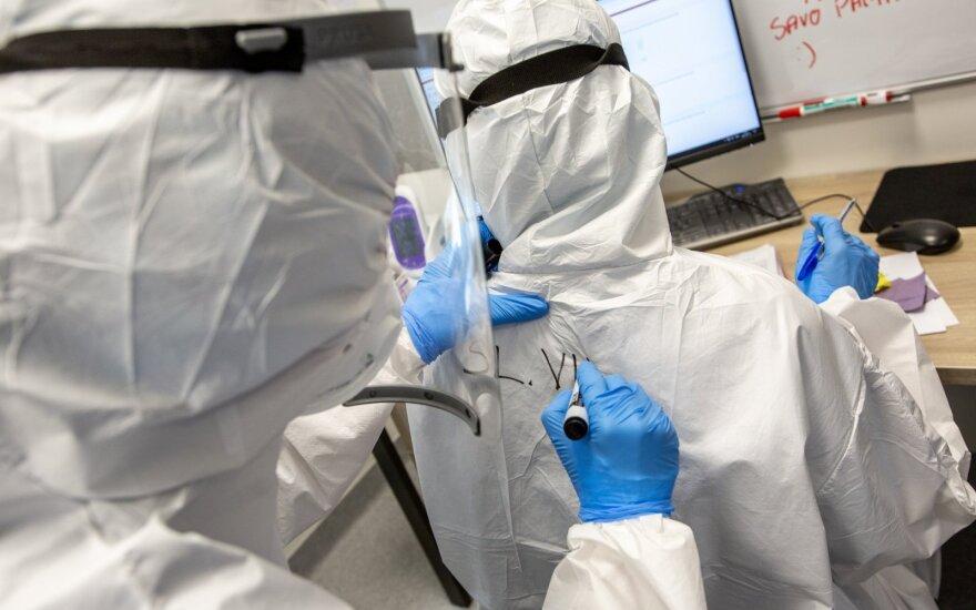За сутки в Литве подтверждено 996 новых случаев COVID-19 и 14 смертей