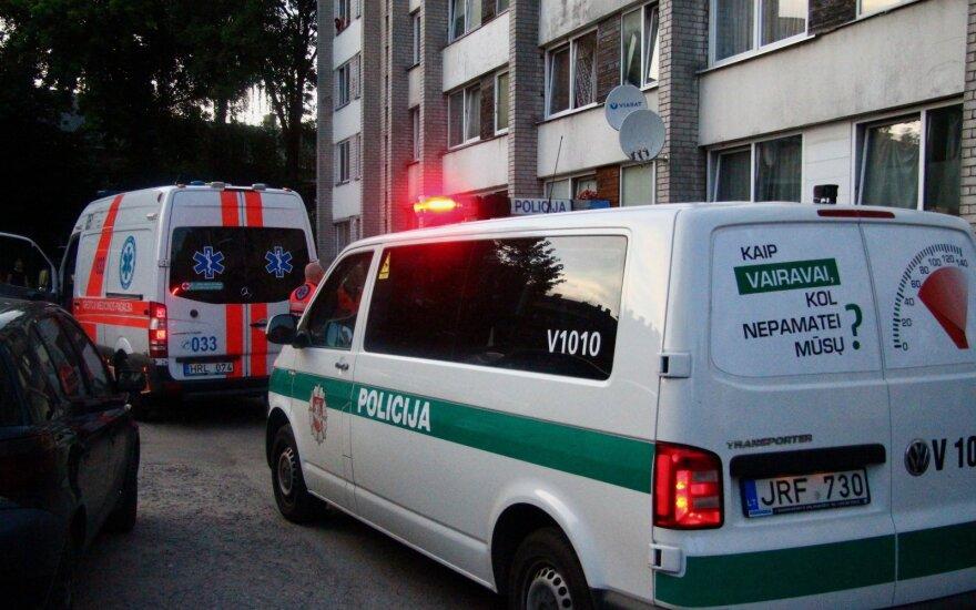 Несчастье в Мариямполе: из окна выпал двухлетний ребенок