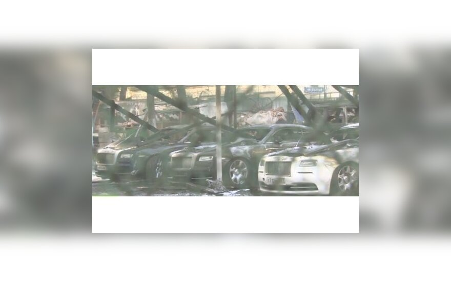 В центре Москвы сгорели 13 автомобилей люкс-класса