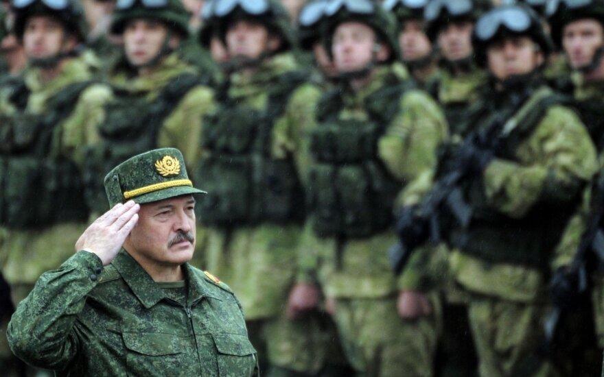 Лукашенко дал понять, что крымско-донбасский сценарий в Беларуси не пройдет