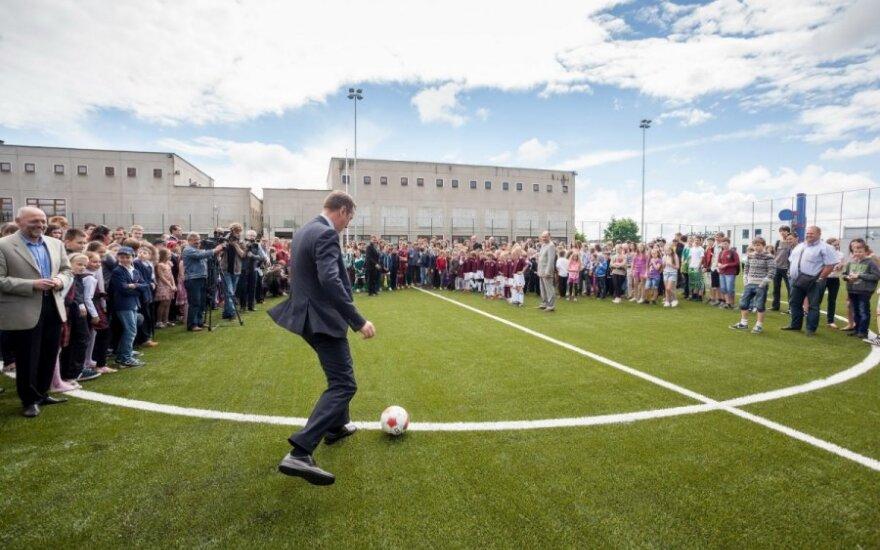 Artūras Zuokas naujame futbolo stadione Fabijoniškėse