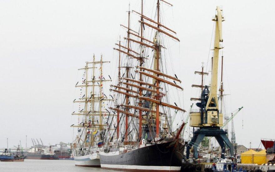 Парусные корабли в Клайпеде из-за погоды меняют дислокацию