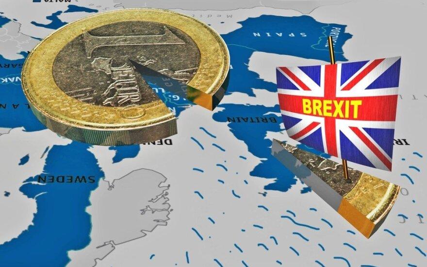 """Доклад: """"брексит"""" надолго ослабит британскую экономику"""