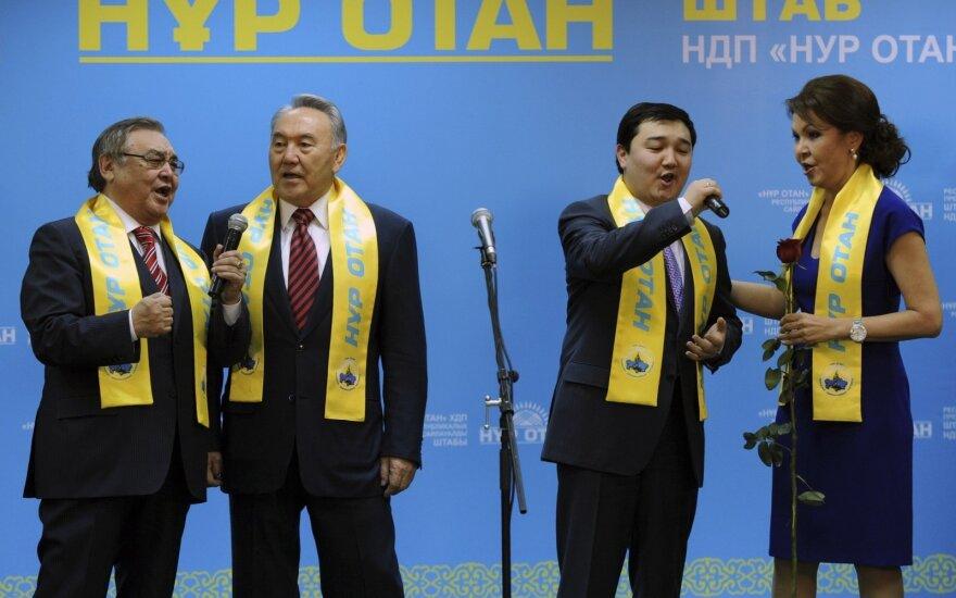 "Nursultano Nazarbajevo partija ""Nur Otan"""