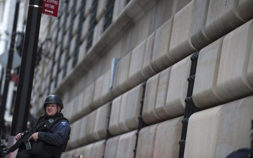 Policija budi prie JAV centrinio banko