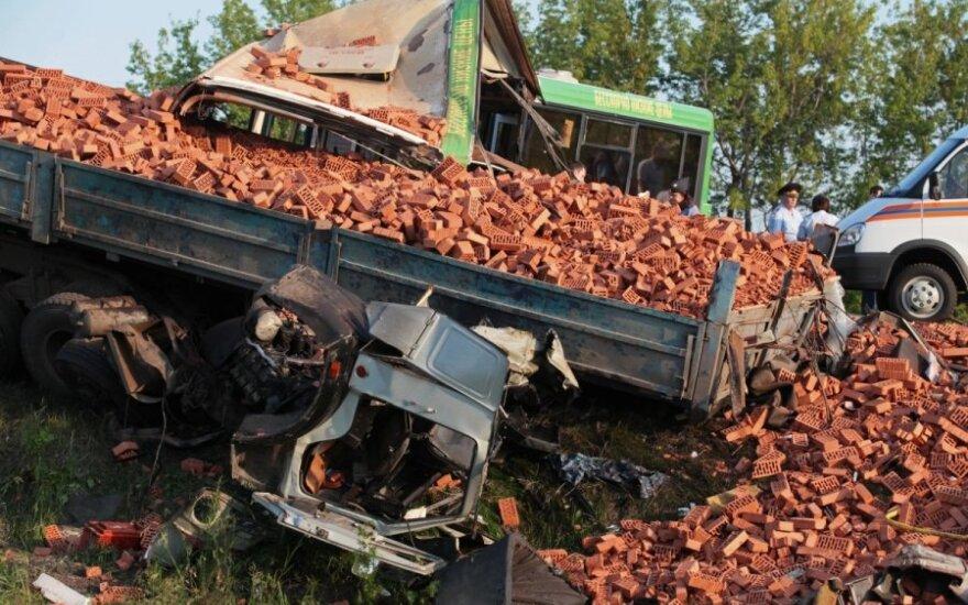 В Омской области объявлен траур по 23 погибшим в ДТП