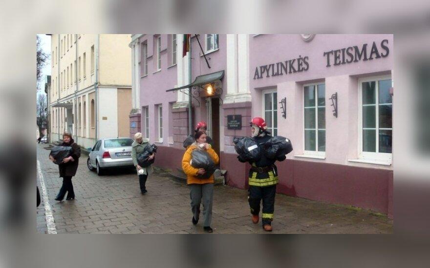 Правительство Литвы выделит 350 000 евро бывшим работникам Укмергского суда