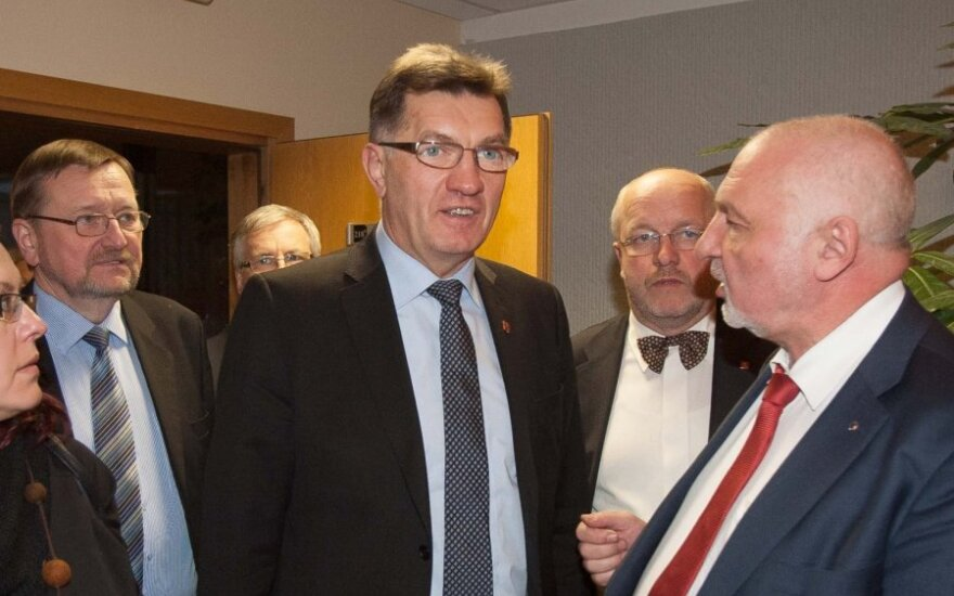Премьер: Литва введет налог ЕС на финансовые сделки